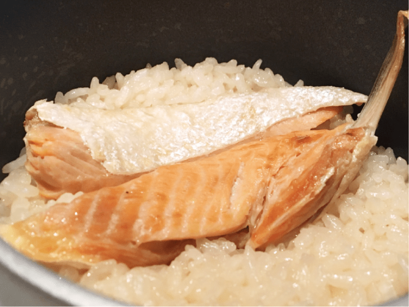 魚金-写真-鮭の釜飯